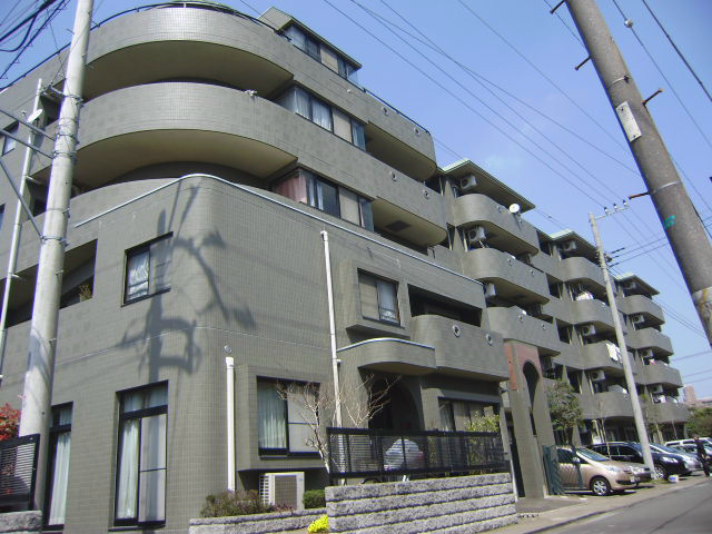 神奈川県平塚市桃浜町